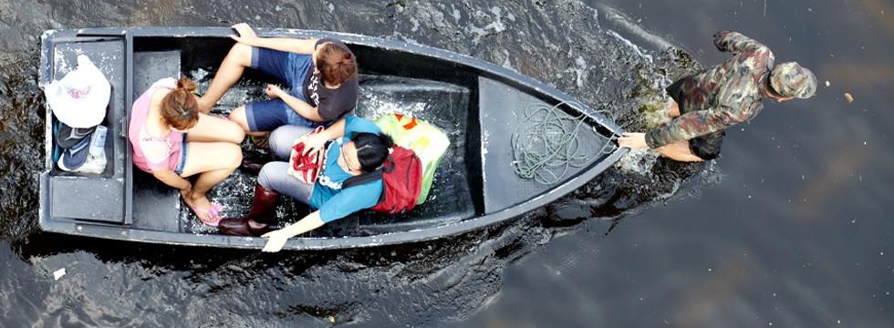 boat-flood-980x360